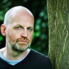 This picture is free of charge to use in relation with publicity; review and previews for Don Patersons new book RAIN only. Poet Don Paterson, St Andrews, United Kingdom 11/9/ 2006 © COPYRIGHT MURDO MACLEOD No syndication, no redistribution, Murdo Macleod's reproduction fees apply. STANDARD TERMS AND CONDITIONS APPLY (press button below or see details at http://www.murdophoto.com/T%26Cs.html