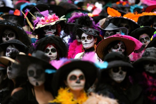 crowd-costume-day-of-the-dead.jpg