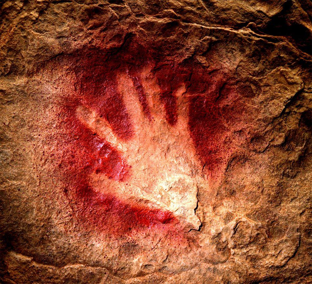 handprint chauvet cave in france